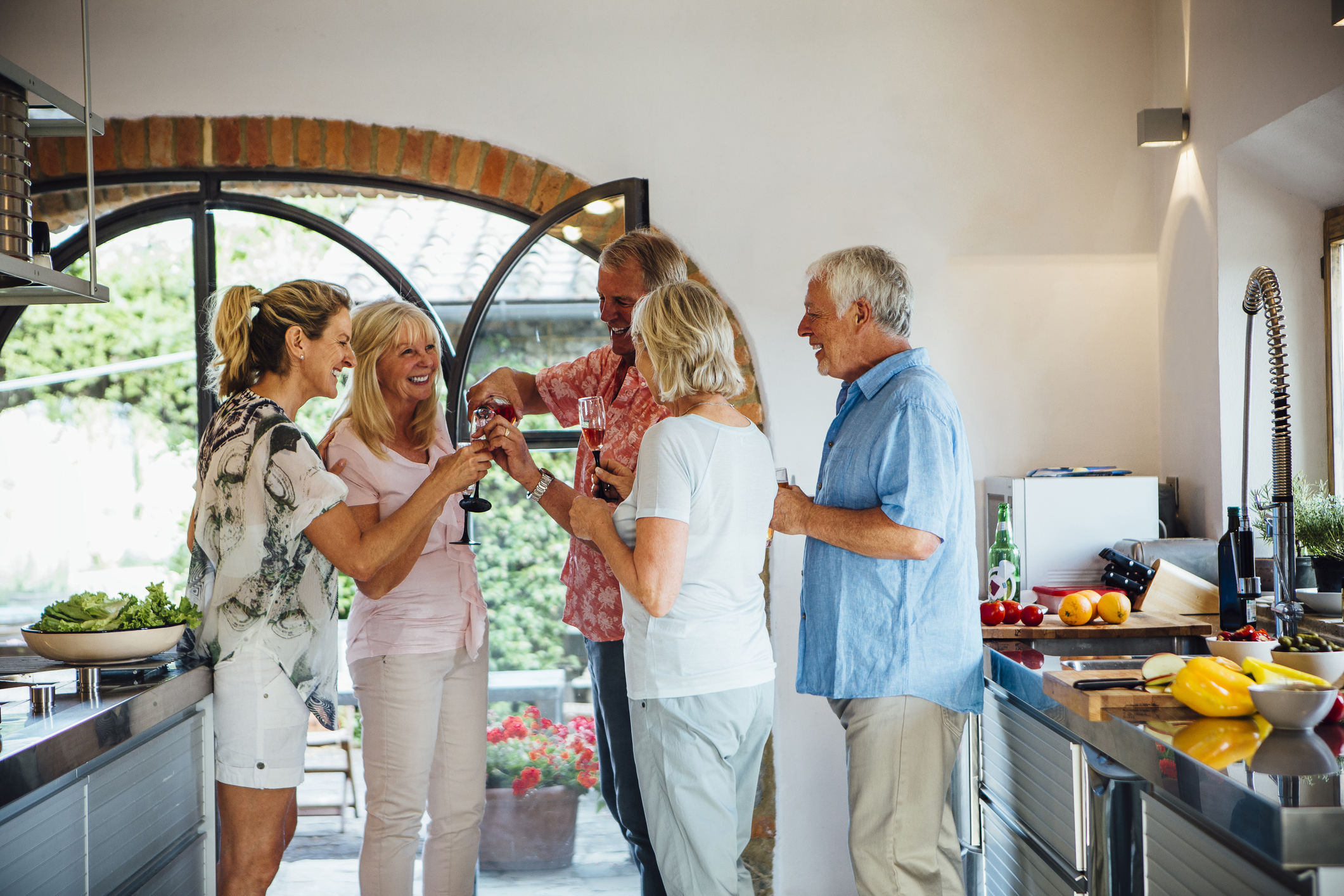 4 Tips for Throwing the Best Housewarming Party